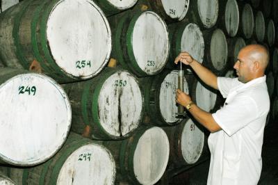 1 - Fábrica de ron El Valle: Patrimonio de Vueltabajo